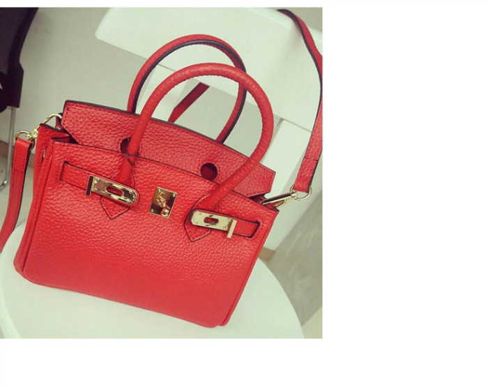 B8403 IDR.205.000 MATERIAL PU SIZE L23XH19XW13CM WEIGHT 700GR COLOR RED