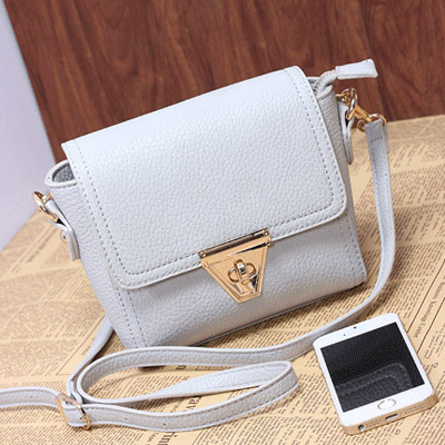 B8404 IDR.155.000 MATERIAL PU SIZE L18XH14XW6CM WEIGHT 450GR COLOR GRAY