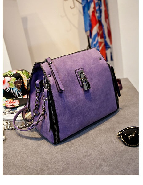 B8411 IDR.215.000 MATERIAL PU SIZE L21XH25XW11CM WEIGHT 850GR COLOR PURPLE