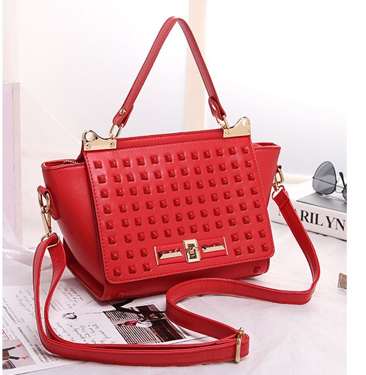B8426 IDR.199.000 MATERIAL PU SIZE L23XH19XW11CM WEIGHT 700GR COLOR RED