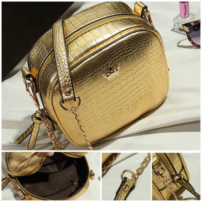 B8436 IDR.152.000 MATERIAL PU SIZE L19XH16XW8CM WEIGHT 500GR COLOR GOLD.jpg