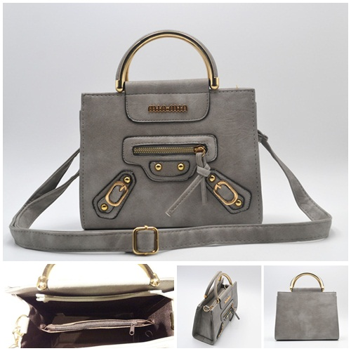 B8508 IDR.165.000 MATERIAL PU SIZE L22XH18XW9CM WEIGHT 650GR COLOR GRAY