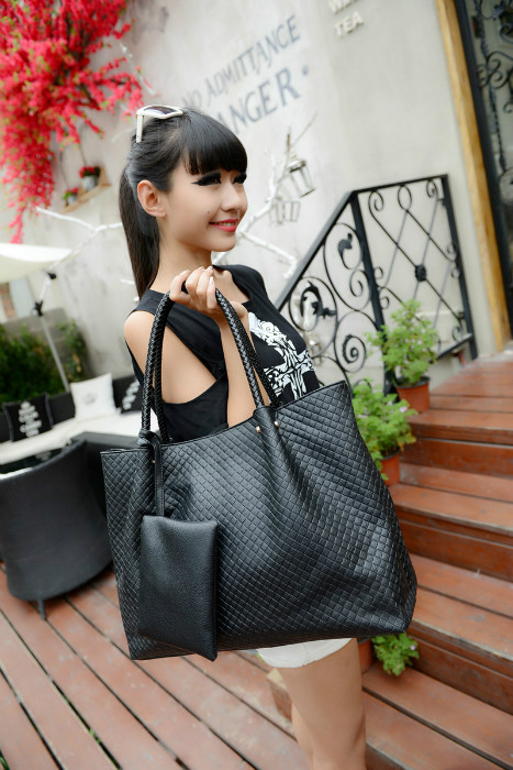 B876 (2IN1)IDR.189.000 MATERIAL PU SIZE L39XH31XW14CM WEIGHT 750GR COLOR BLACK