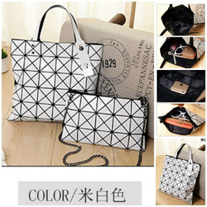 B8837-(2in1) IDR.188.000 MATERIAL PU SIZE L33XH33XW14CM WEIGHT 800GR COLOR WHITE