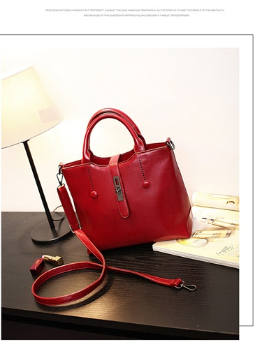B8946 IDR.192.000 MATERIAL PU SIZE L30XH24XW13CM WEIGHT 800GR COLOR RED.jpg