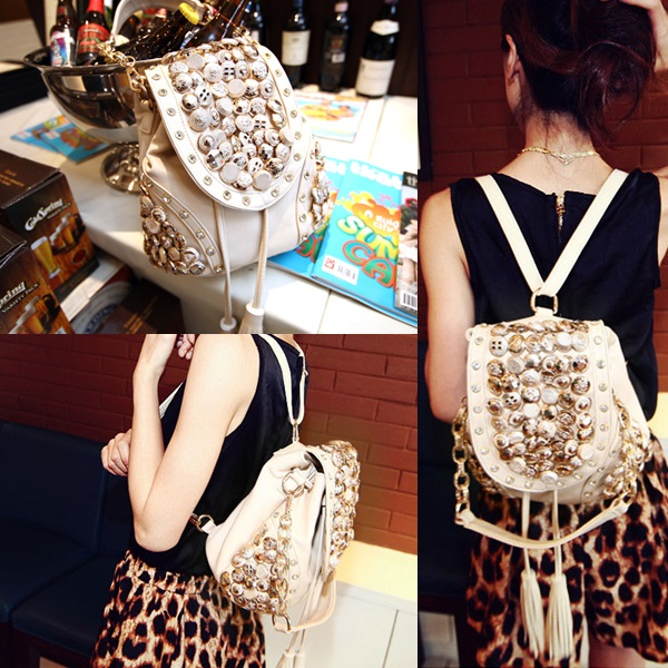 B9067 IDR.160.000 MATERIAL PU SIZE L29XH21CM WEIGHT 700GR COLOR BEIGE