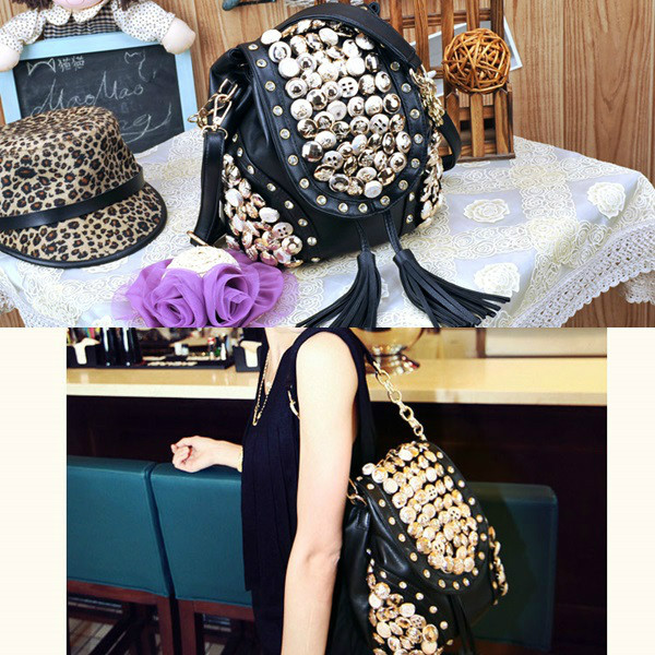 B9067 IDR.178.000 MATERIAL PU SIZE L29XH21CM WEIGHT 750GR COLOR BLACK (RANSEL & SELEMPANG)