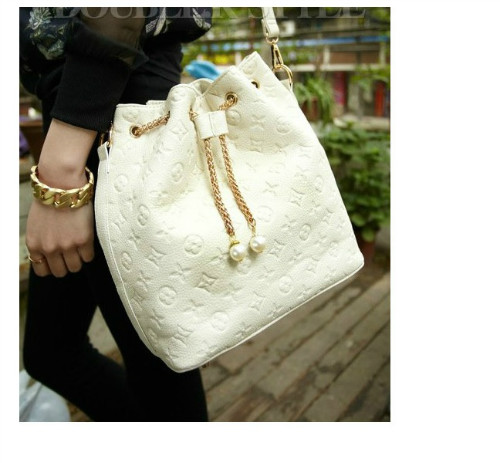 B9224 IDR.149.000 MATERIAL PU SIZE L28XH29XW14CM WEIGHT 650GR COLOR BEIGE