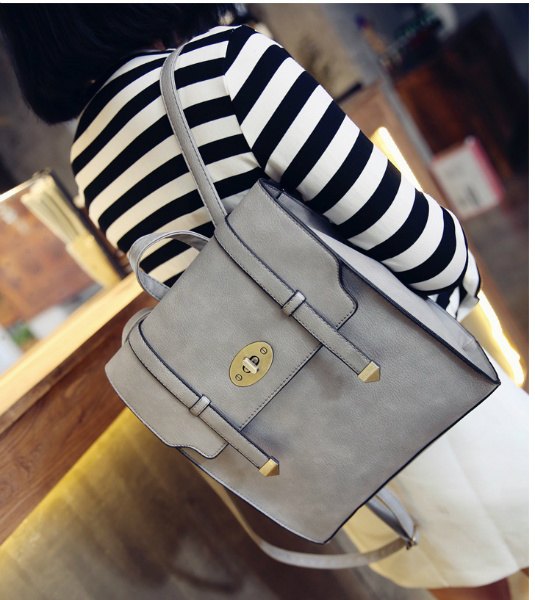 B94820 IDR.165.000 MATERIAL PU SIZE L25XH30XW10CM WEIGHT 750GR COLOR GRAY