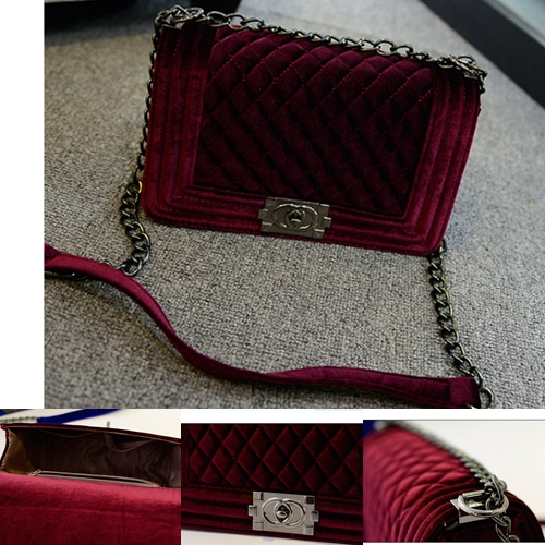 B968 IDR.188.000 MATERIAL VELVET SIZE L26XH16CM WEIGHT 600GR COLOR RED.jpg