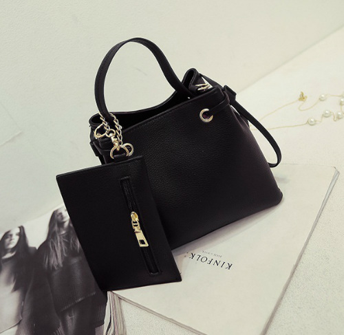 B980 IDR.170.000 MATERIAL PU SIZE L21XH20XW12CM WEIGHT 700GR COLOR BLACK