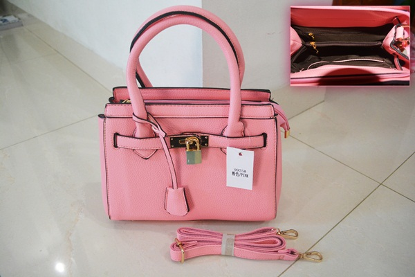 B9975 IDR.218.000 MATERIAL PU SIZE L25XH21XW11CM WEIGHT 800GR COLOR PINK.jpg