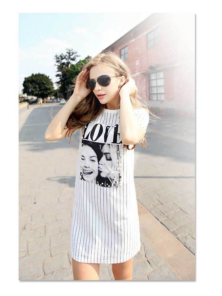 D37598 IDR.160.000 MATERIAL COTTON SIZE-M-LENGTH88CM-BUST94CM WEIGHT 300GR COLOR WHITE.jpg