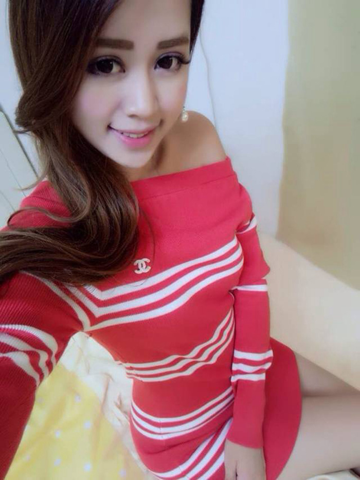D758 IDR.133.000 MATERIAL KNITTED-LENGTH-75CM,BUST70-98CM WEIGHT 250GR COLOR RED