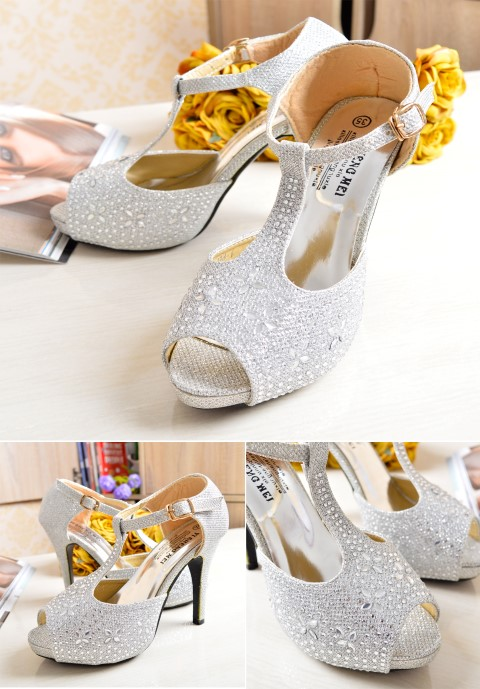 SHH1181 IDR. 190.000 MATERIAL PU HEEL 10.5CM COLOR SILVER SIZE 35,36,37,38,39