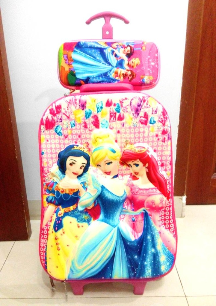 TA042 IDR 220.000 Tas Troli 5D Anak Sekolah Princess Pink Size 32x12x40cm